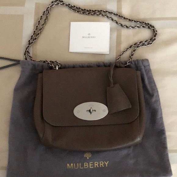 LIKE NEW Mulberry Small Lily Bag in Taupe. M 5aca516f8af1c53e6e4e5e14 6867405f64ed5